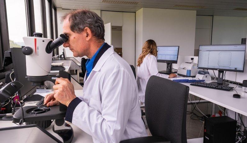 Laboratorio gemmologico con Venezia Preziosi